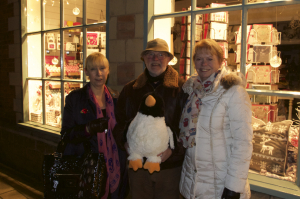 Mabel the Penguin, Pippy, Chris and Marilyn at Gift Box