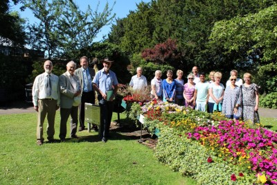 Volunteers meet East Midlands In Bloom judges at the Library